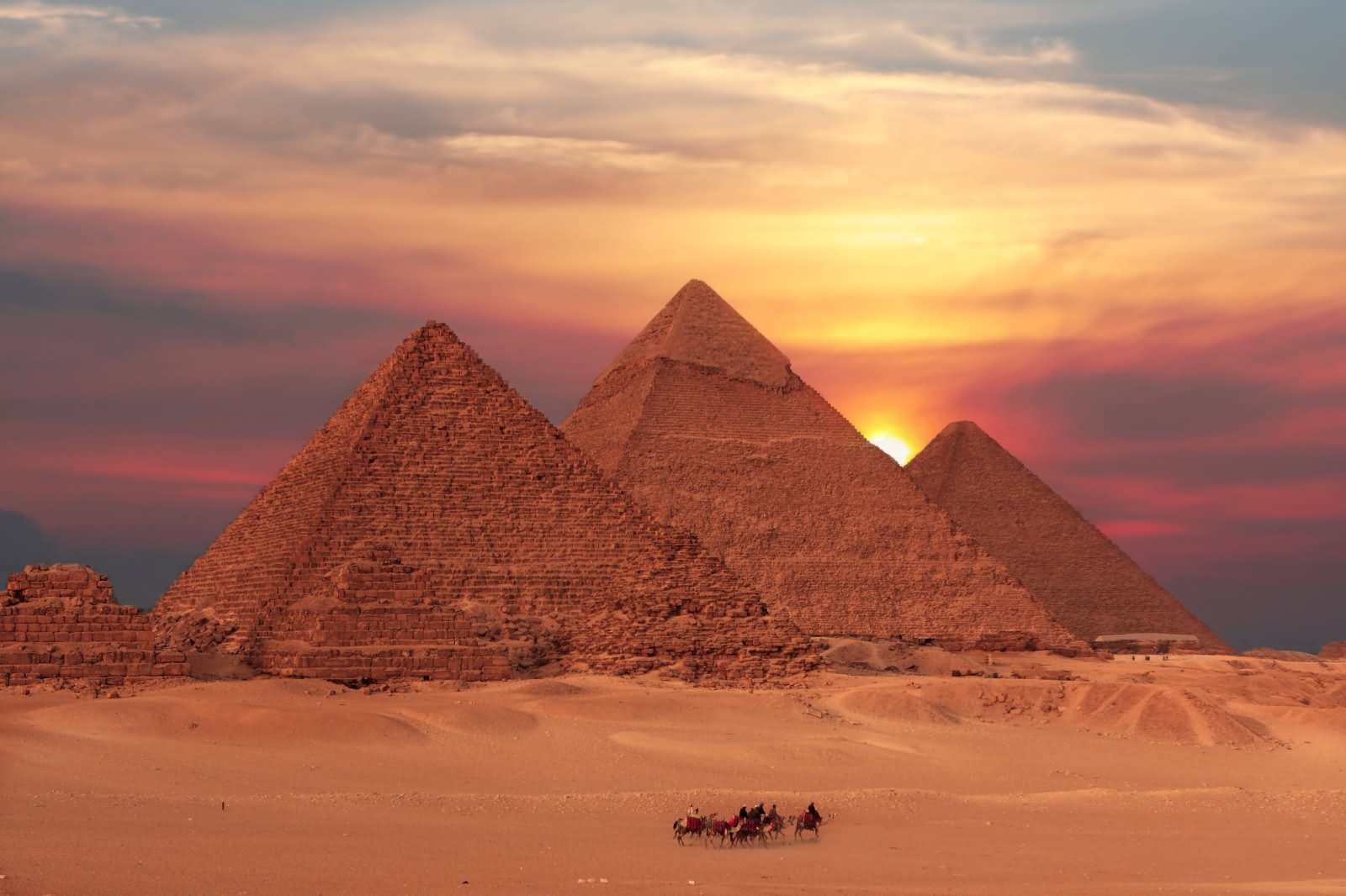 Premium Travel Package: Giza, Nile Cruise, Luxor-Aswan, and Alexandria