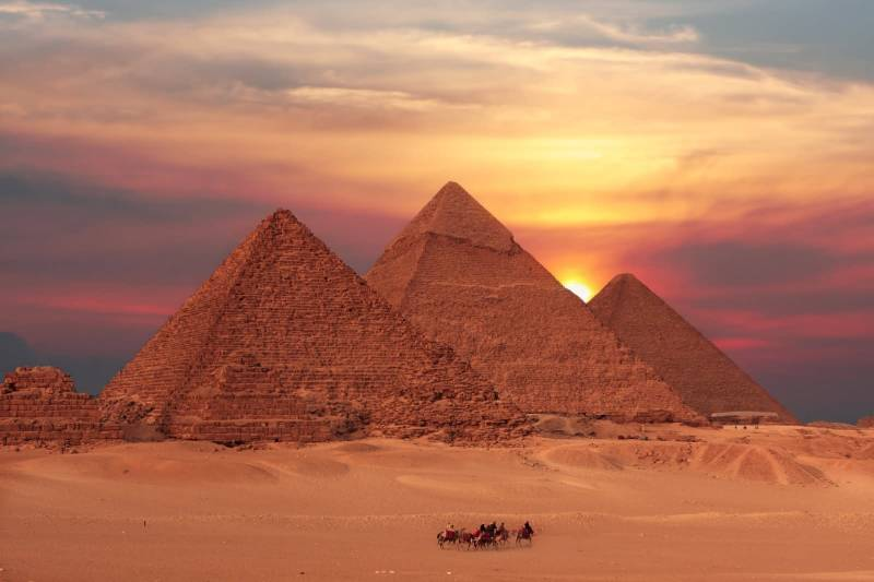 Premium Travel Package: Giza, Nile Cruise, Luxor-Aswan, and Alexandria