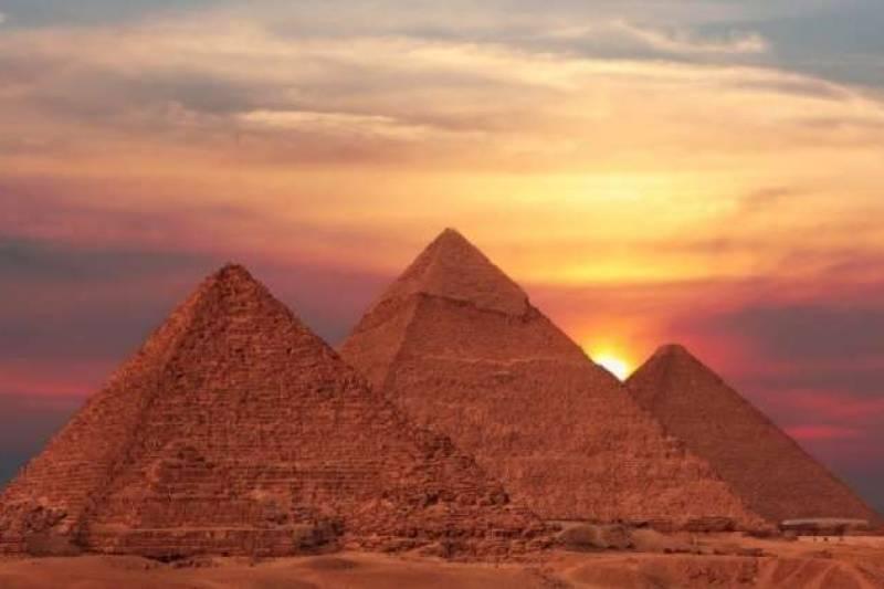Cairo Over Day Trip to Pyramids of Giza and Sakkara from Alexandria Port