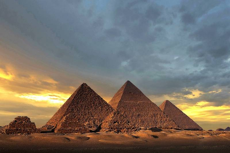 Cairo Stopover Travel Package: Pyramids of Giza and Old Cairo