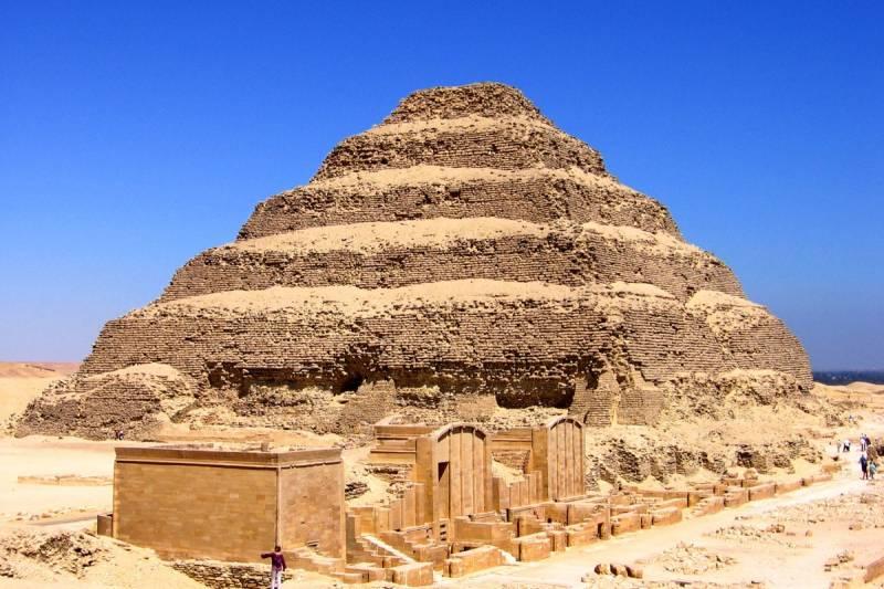 Cairo Over Day Trip to Giza Pyramids, Sakkara and Memphis from Alexandria Port