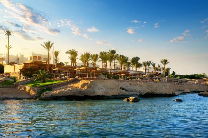 Egypt Luxury Vacations and Nile Cruises: Giza, Saqqara, Cairo, Aswan, Luxor and Sharm El-Sheikh